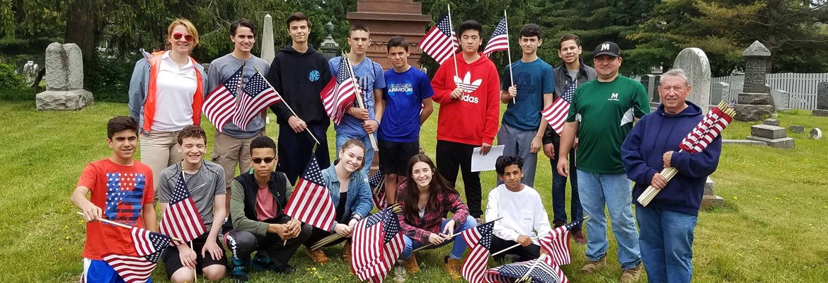 Lazar Students Assist in Honoring Veterans
